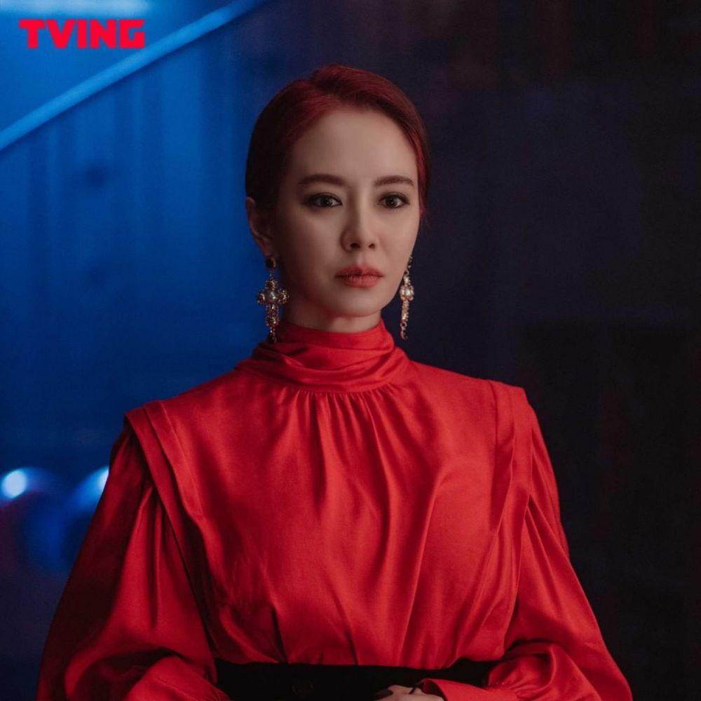 Jadi Penyihir, 9 Potret Karakter Song Ji Hyo di The Witch's Diner