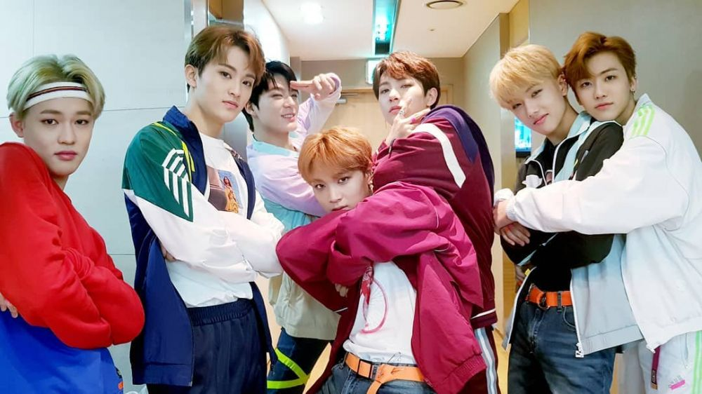 Kocak, 10 Ide Pose ala Member NCT Dream Buat Foto Bareng Sahabat