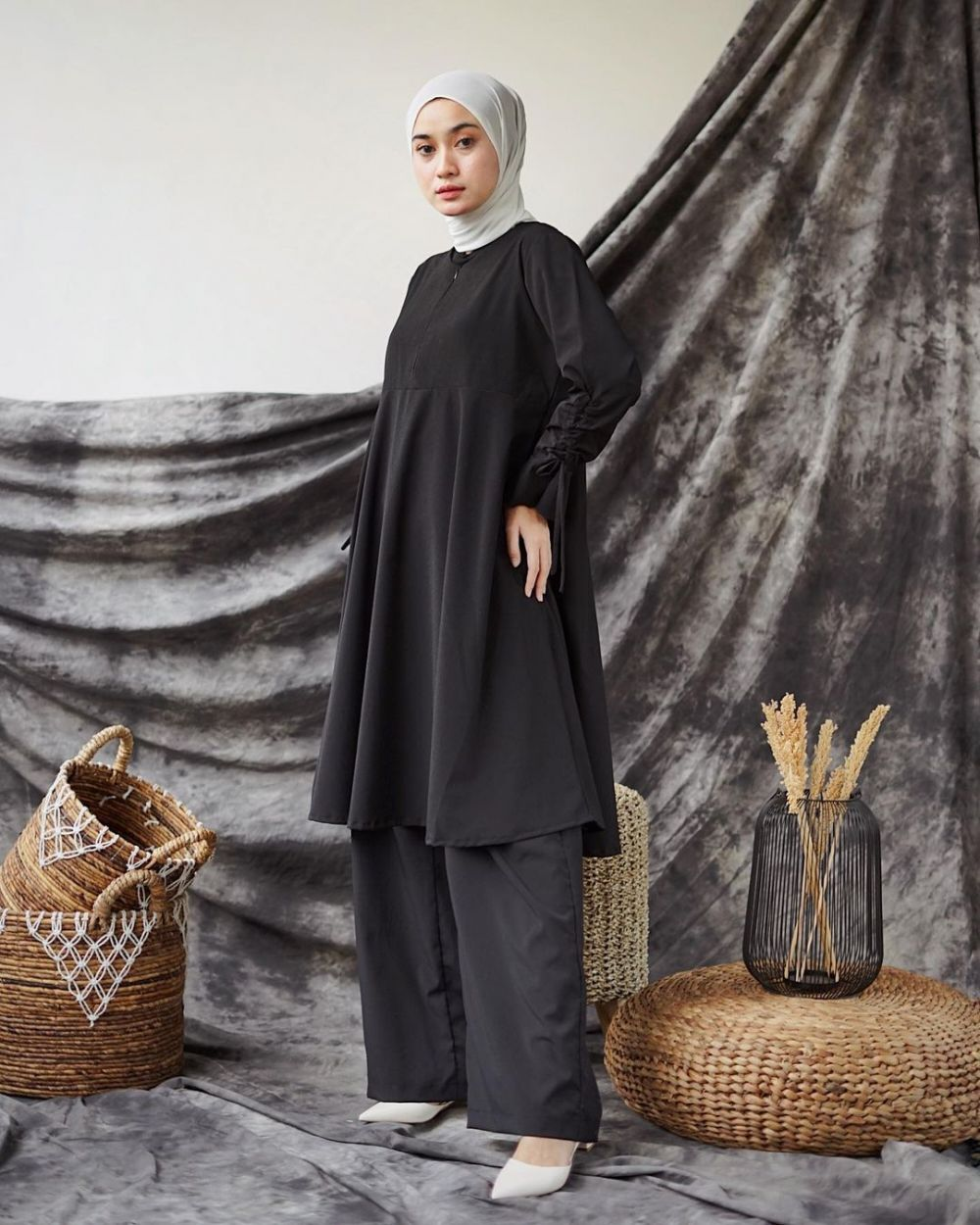 12 Ide Outfit One Set ala Alifia Diannisa, Simpel Buat OOTD!