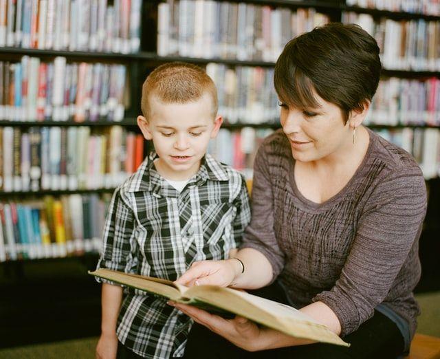 5 Hal Positif yang akan Dipelajari Anak Saat Memiliki Ibu Bekerja