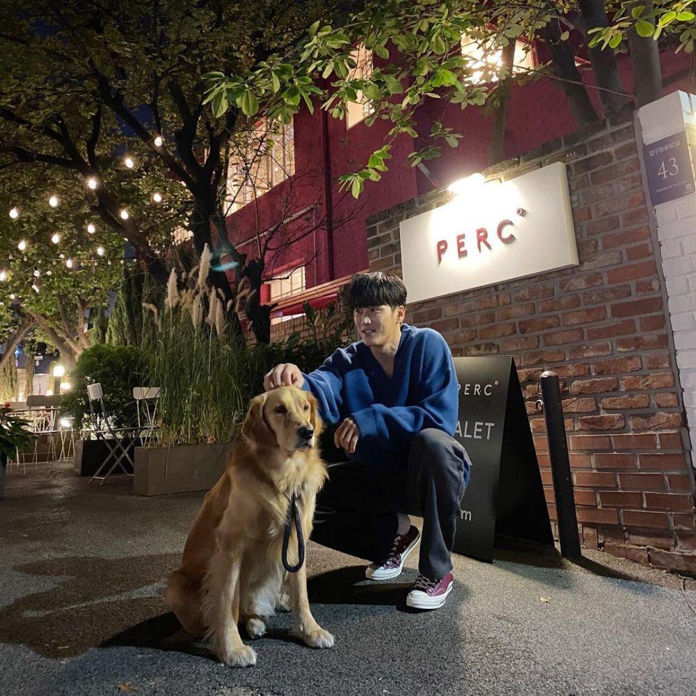 10 Inspirasi OOTD Simpel ala Ahn Bo Hyun yang Cocok buat Kencan