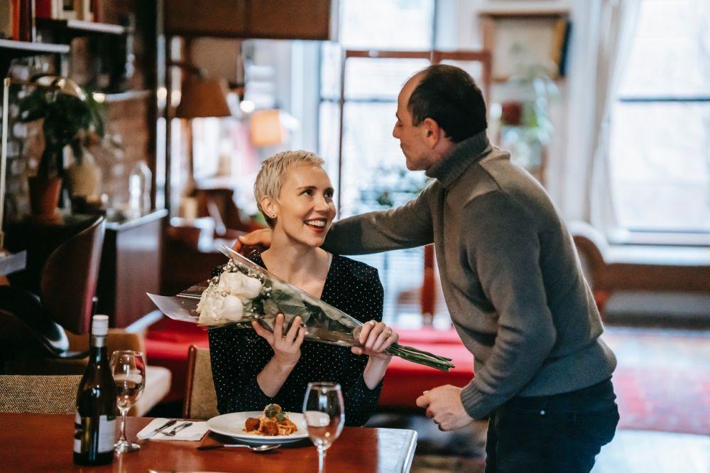 5 Alasan Kamu Harus Menunjukkan Perasaan dengan Detail ke Pasangan
