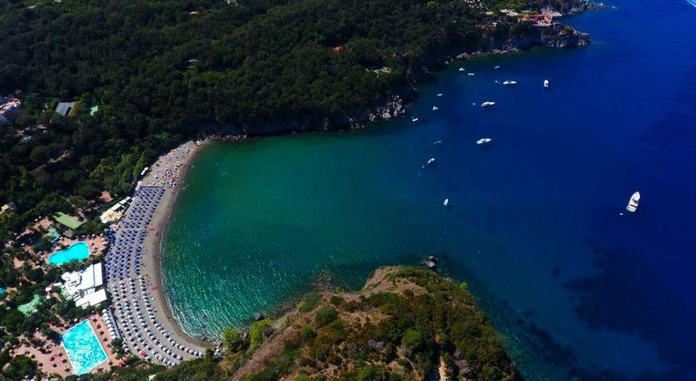Indahnya 8 Spot Wisata di Ischia, Surga Tersembunyi Italia
