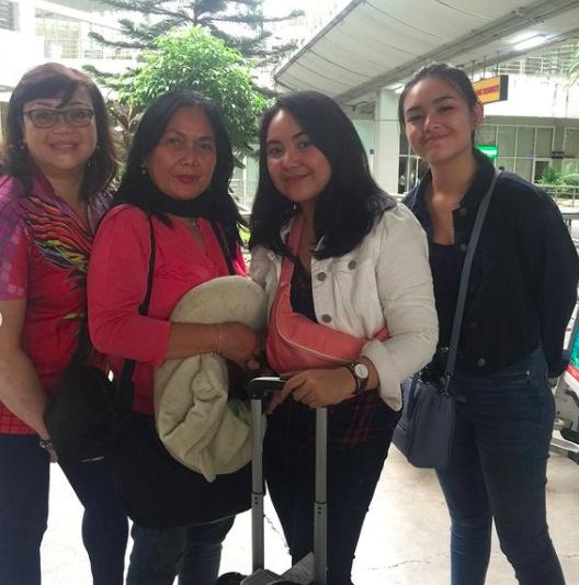 10 Potret Kenangan Keluarga Amanda Manopo Bersama Mendiang Sang Mama
