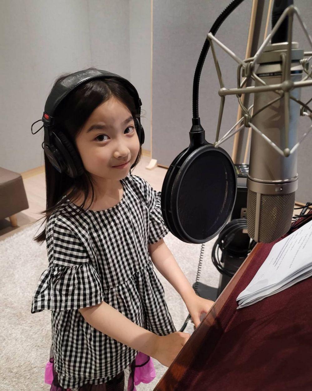 10 Potret Lim Soo Jung, Pasien Cilik di Drama Hospital Playlist 2