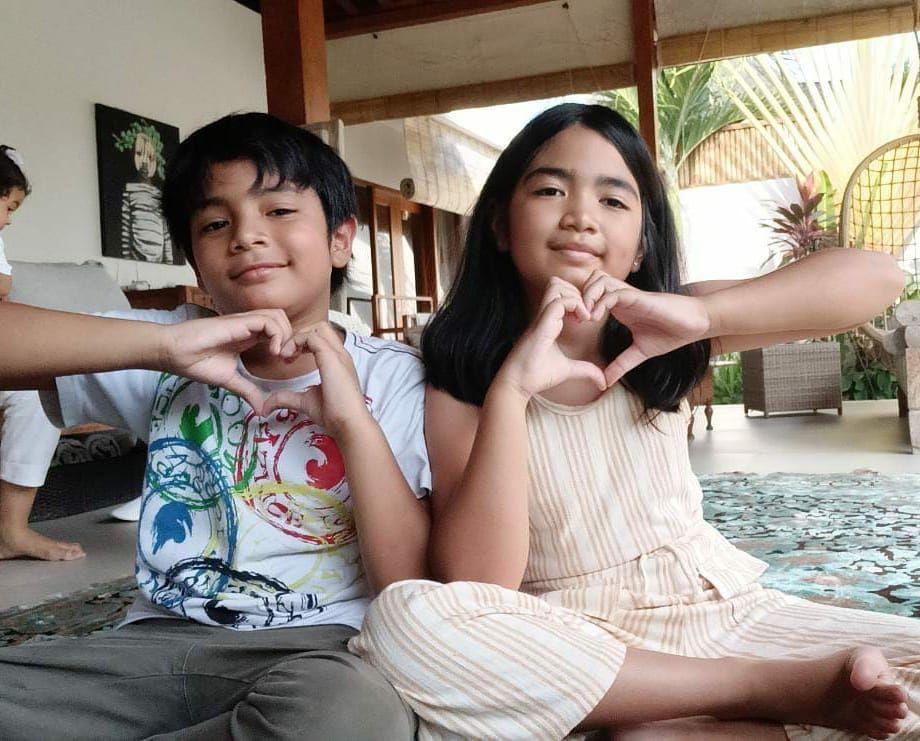 10 Potret Zio dan Aira, Anak Tommy Kurniawan, yang Jarang Disorot