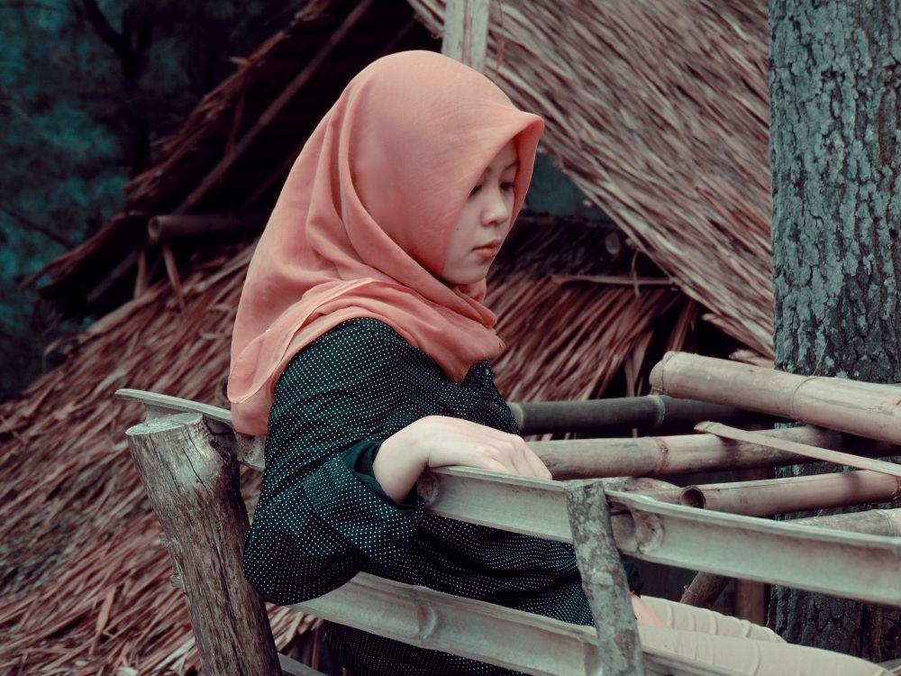Amelia Solekha, Tergugah Menulis Sejarah yang Jarang Diketahui Orang