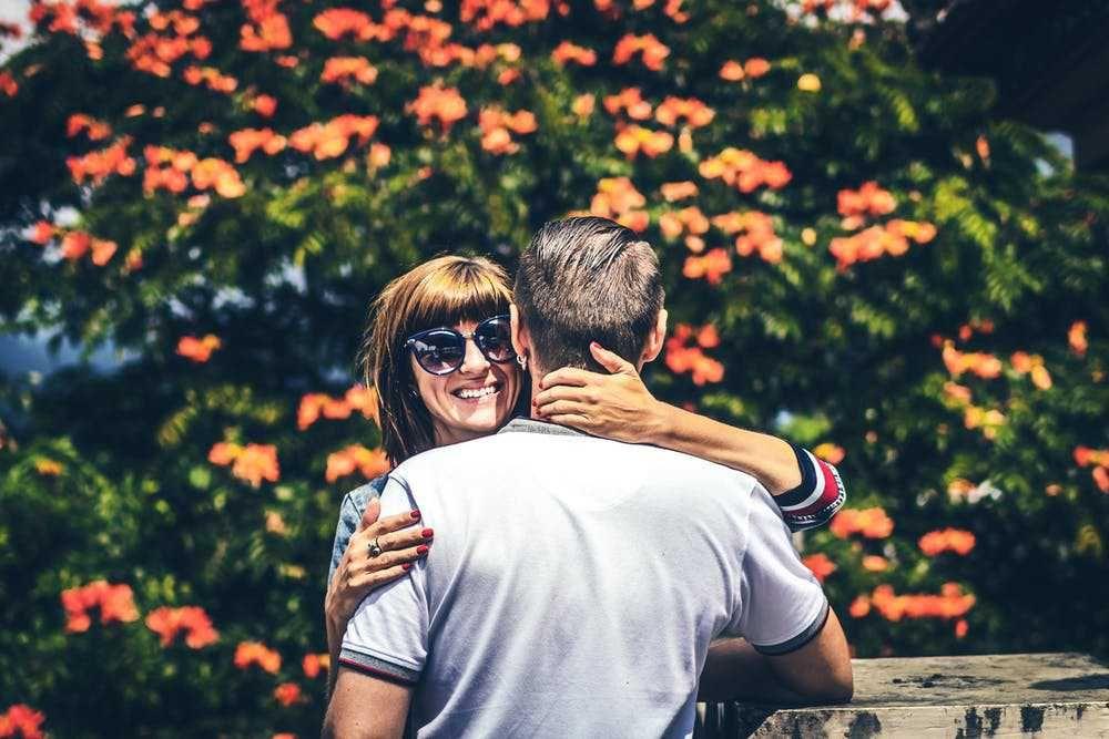 5 Cara biar Kamu Gak Menjadi Pasangan yang Posesif, Mudah Kok