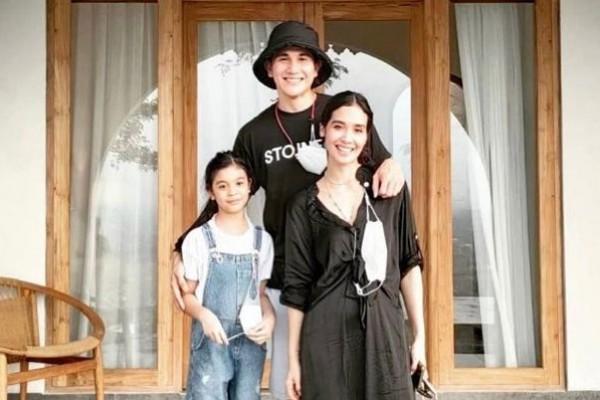 Anak Beranjak ABG, 10 potret Bahagia Keluarga Kecil Vino G. Bastian