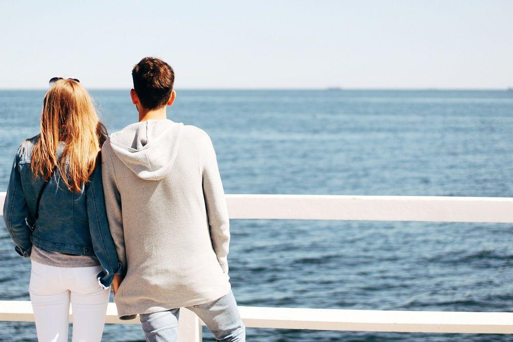 Kamu Hanya Pura-pura Bahagia Jika Tak Rasakan 5 Hal Ini Pada Hubungan