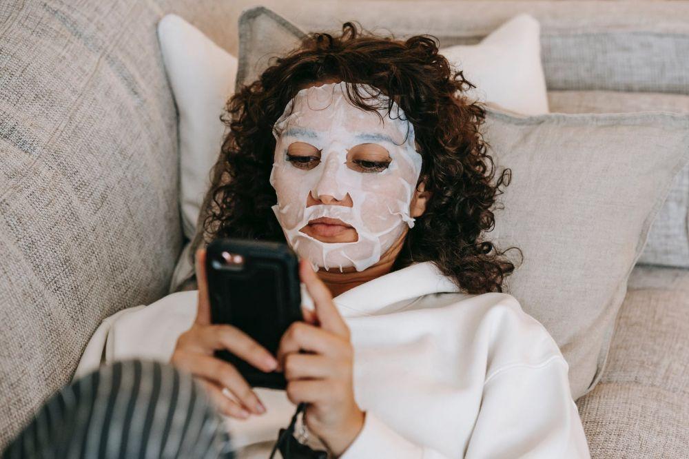 6 Perilaku Buruk di Media Sosial yang tanpa Disadari Sering Dilakukan