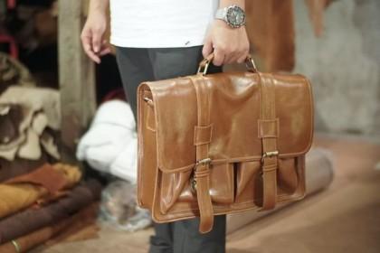 5 Tips Mudah Bedakan Kulit Asli Sintetis Produk Fashion