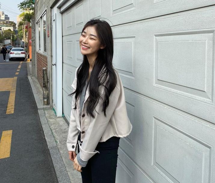 9 Potret Manis Lee Hye Won, Adik Sepupu Yang Do Hyeok di Nevertheless