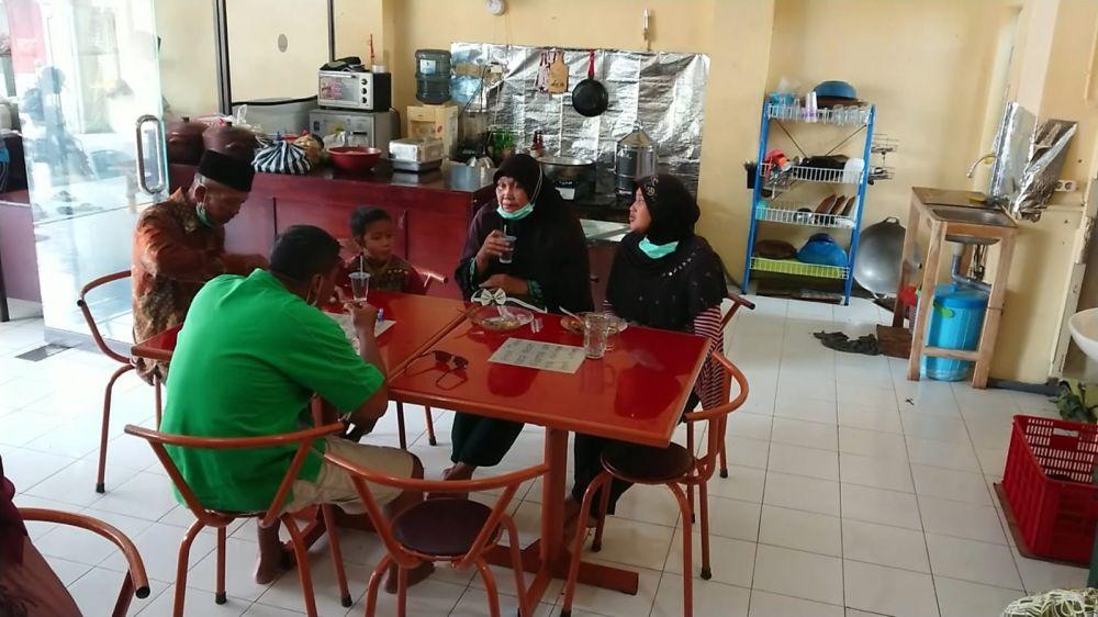 Warung di Tulungagung Siapkan 100 Porsi Makan Siang Gratis