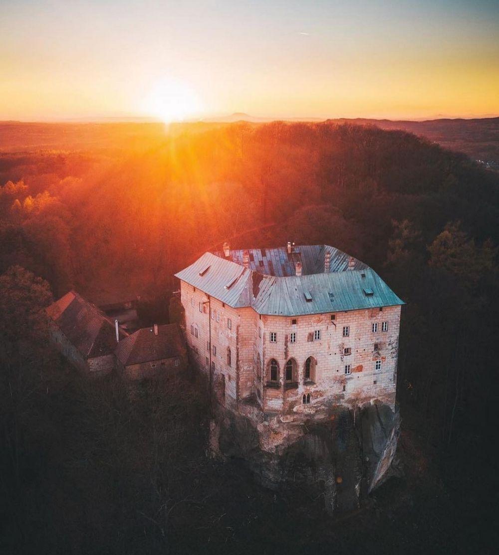 5 Tempat Paling Berhantu di Eropa, Didominasi Kastil Megah!