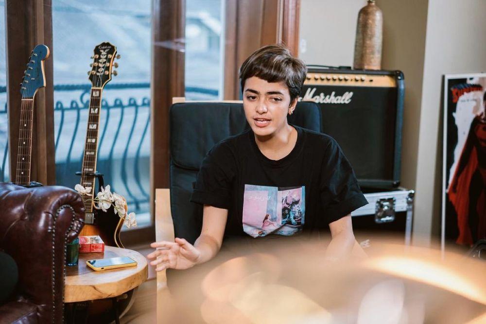10 Potret Azizah Hanum, News Anchor Indonesia Multitalenta!