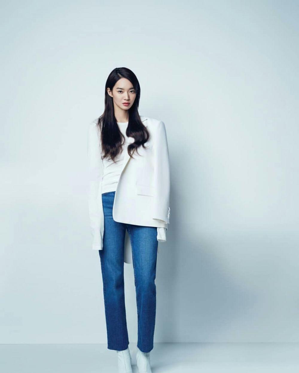13 Padu Padan Outfit ala Shin Min Ah, Kasual Hingga Classy!