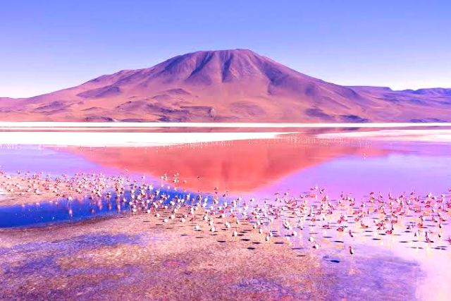 5 Weirdest Lakes on Earth, Some Can Explode
