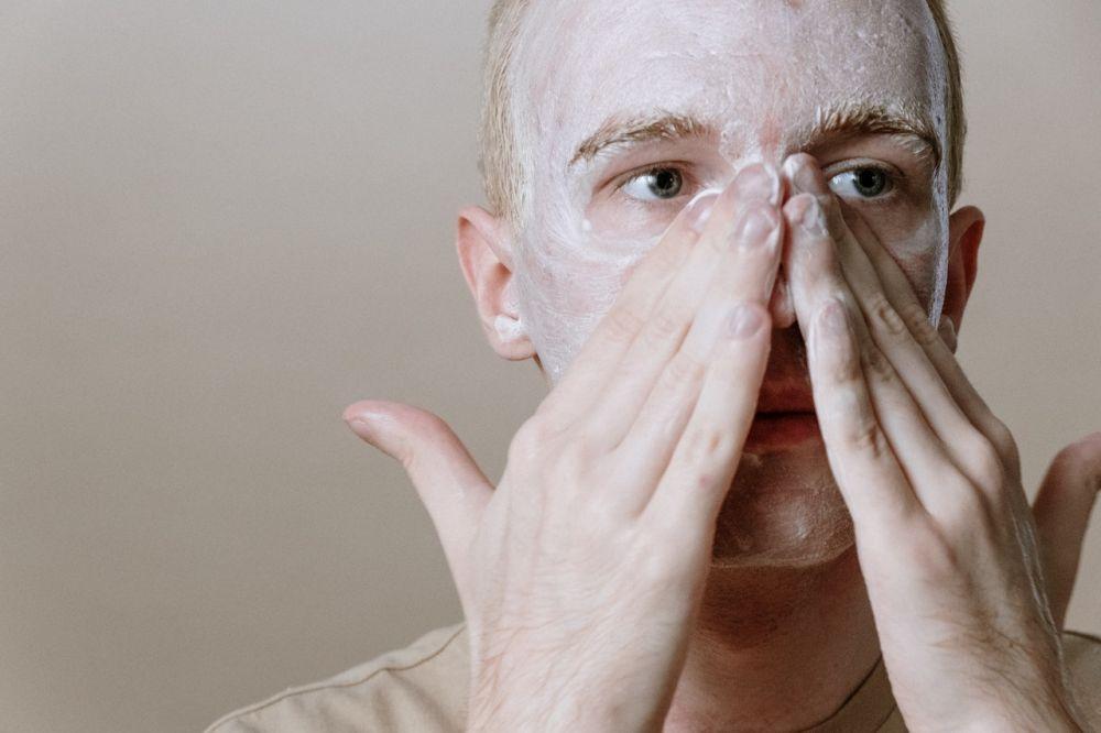 5 Tips Menghilangkan Kerutan di Wajah Pria yang Mudah Dilakukan