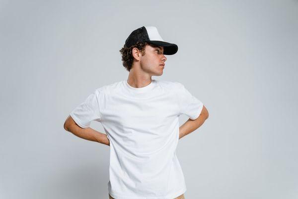 5 Perbedaan Bahan Kaus Cotton Combed 24s dan 30s, Biar Makin Paham!