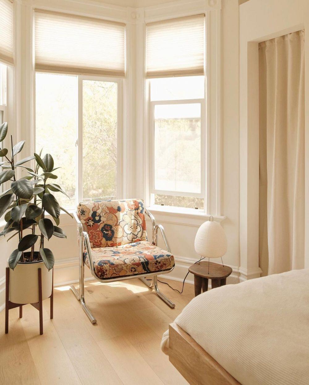 10 Desain Kursi Nyeleneh yang Siap Bikin Ruangan Kamu Semarak