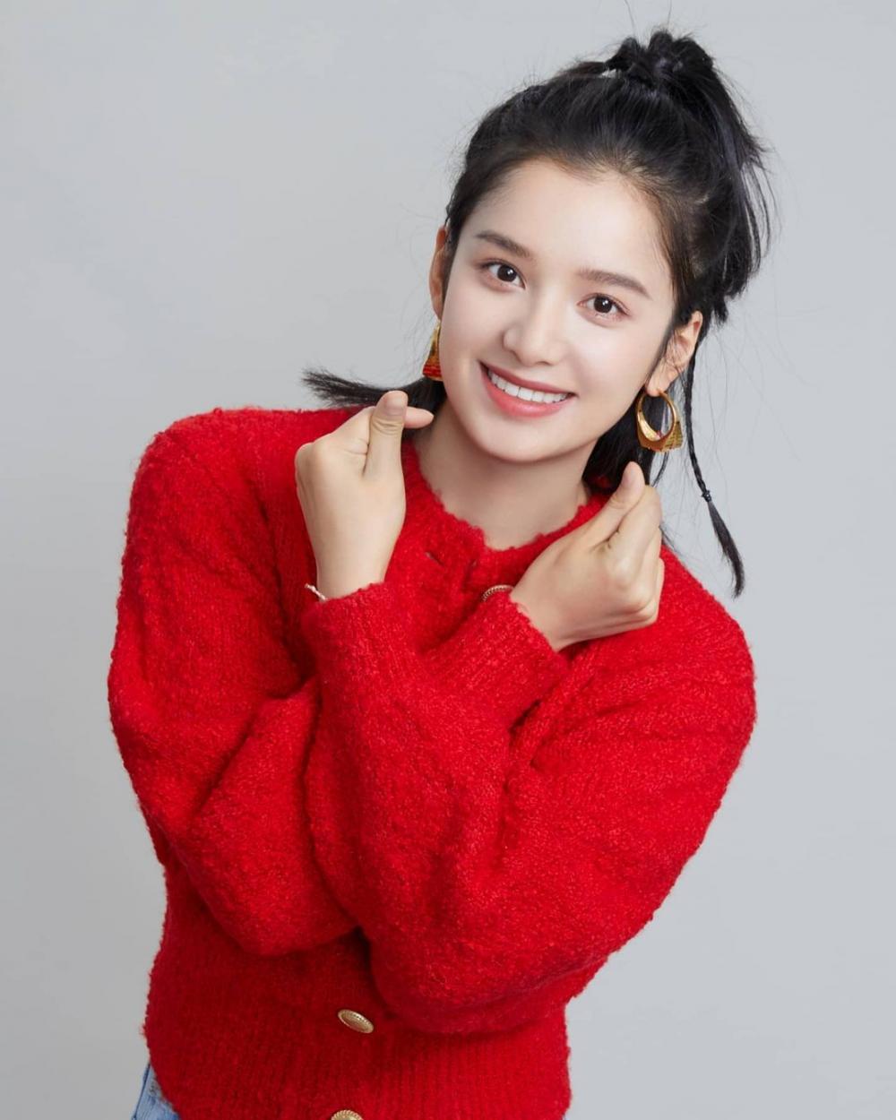 10 Potret Zhang Jing Yi, Lawan Main Arthur Chen di Drama China Terbaru