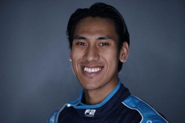 Pembalap Indonesia Sean Gelael Ikuti Balapan Esports Veloce Pro Series