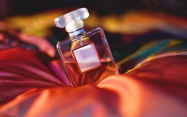 parfumtheworldoffragrance-33de7f3fda80445e5838b6fa9ee9e749.jpg