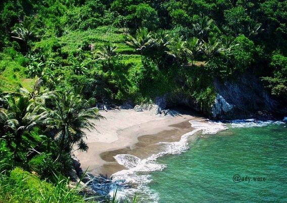 25 Pantai Tercantik di Pulau Jawa yang Bikin Kamu Lupa Rumah!
