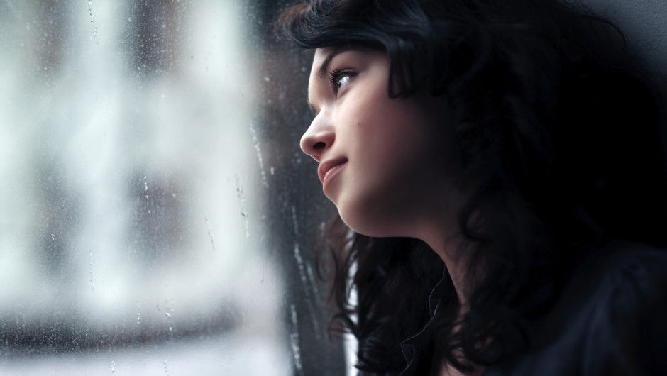 girl-thinking-about-ex-1ee9e46f6fcee7fb07123f47d52057bb.jpg