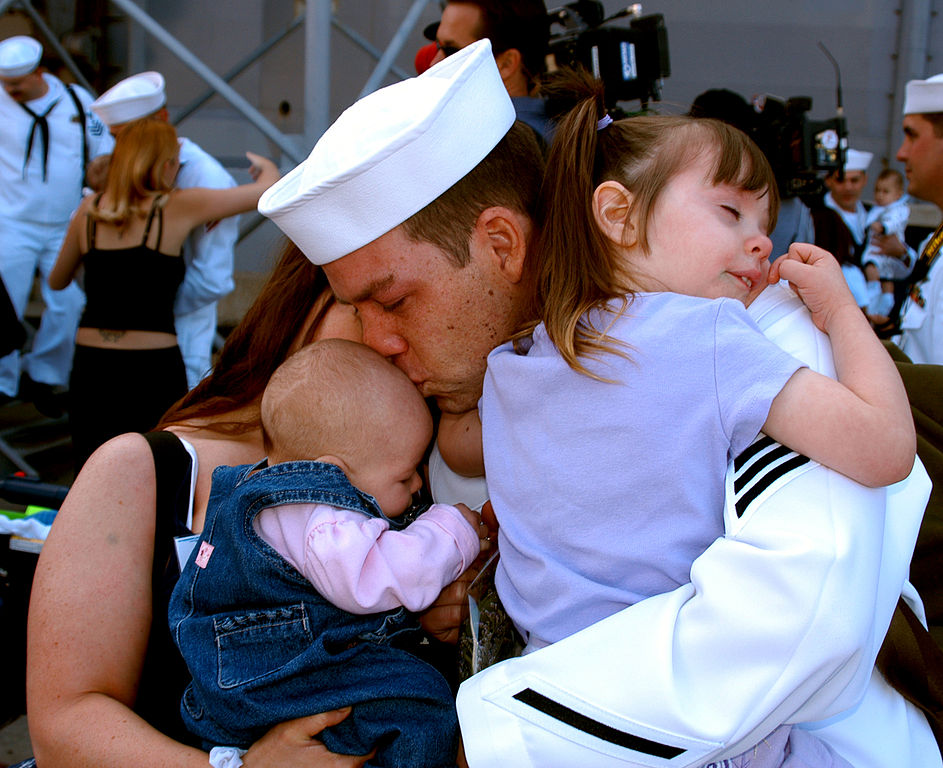 Meski Sering Ditinggal Pergi, Tapi Inilah yang Membuatku Bangga Memiliki Orangtua Seorang Pelayar