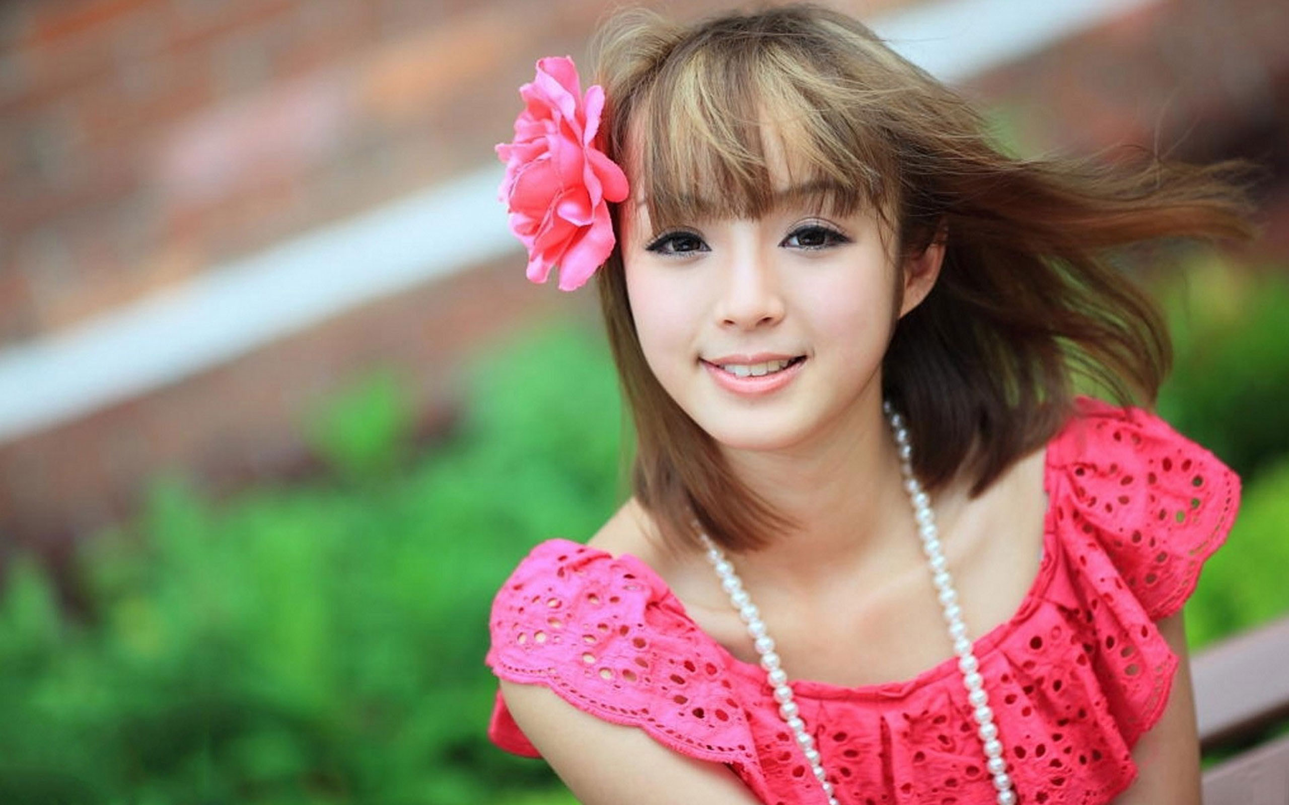 6940806-cute-girl-in-pink-dress-b5db122e99dd382eafeb3cc5159c9e3b.jpg