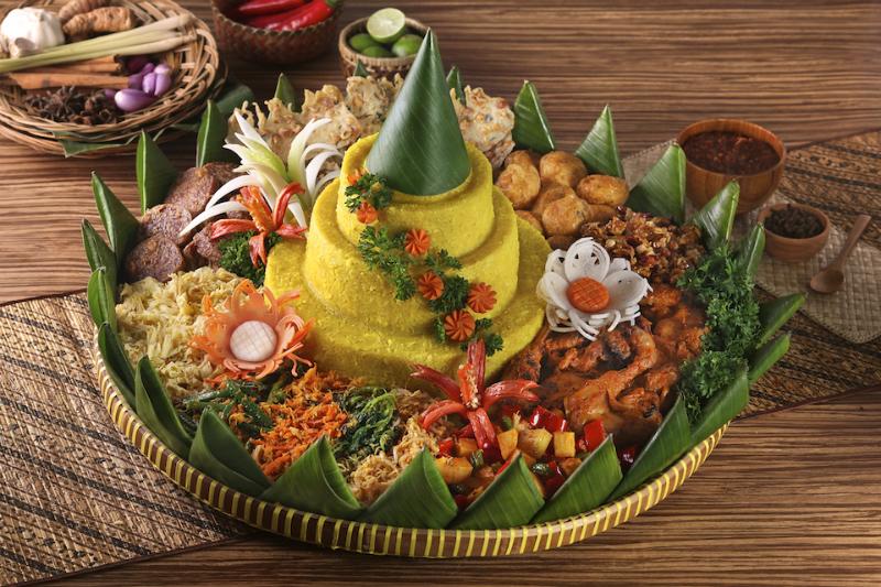 35 Makanan Khas Indonesia Ini Dijamin Bikin Kamu Menelan Ludah!