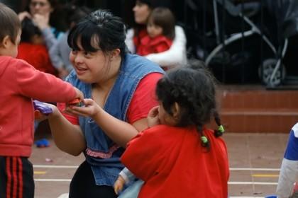 Perkenalkan Noelia Garella, Wanita Down Sydrome Pertama yang Jadi Guru Playgroup