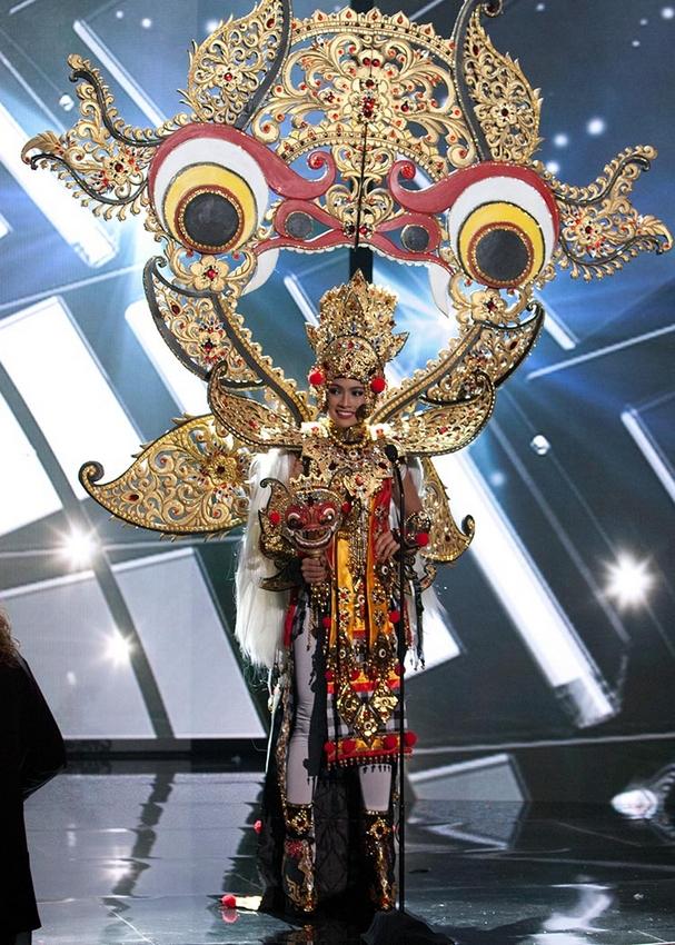 Potret National Costume Indonesia di Miss Universe, Bukti Budaya Kita Gak Ada Matinya!