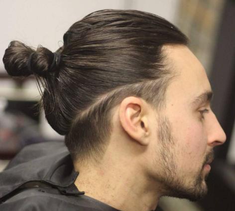 17 Gaya Rambut Pria Paling Trendy yang Masih Nge-hits Tahun ini