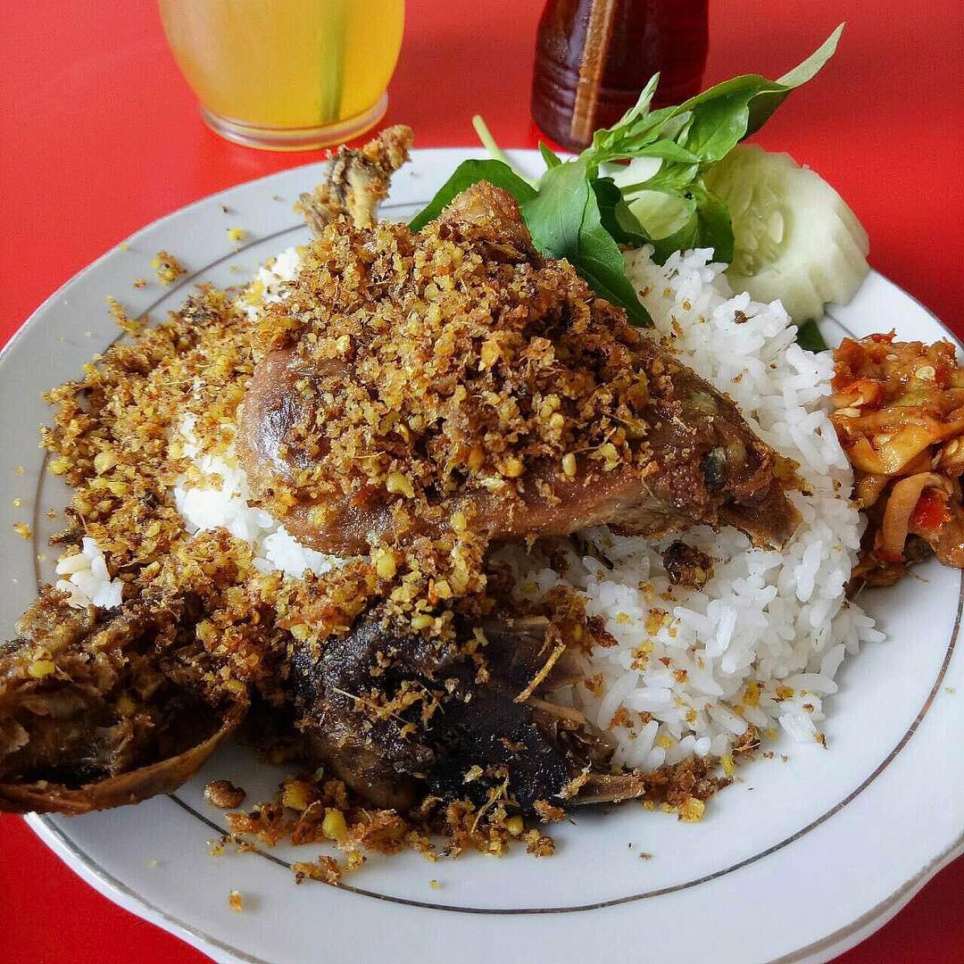 9 Tempat Makan Bebek Paling Hits Di Surabaya Pedesnya Gak Nahan