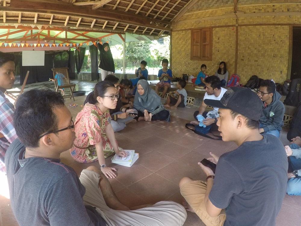 Kernel: Sebuah Gerakan Mengajar Pemrograman Pada Anak-anak di Desa