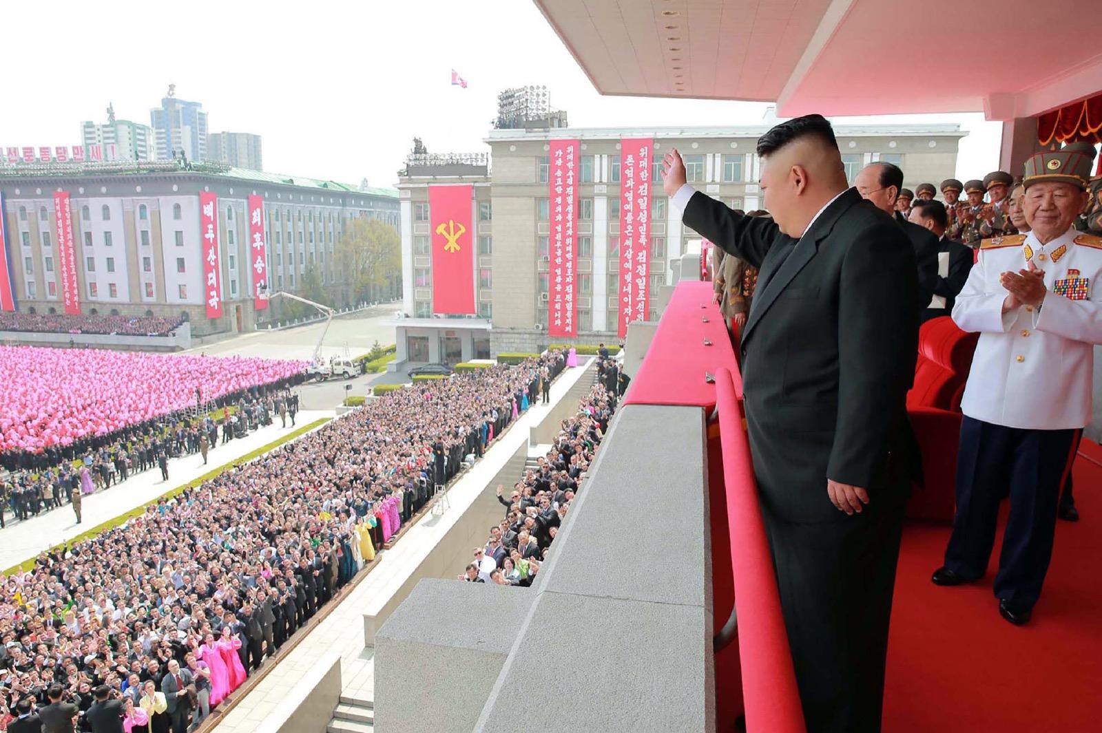 Beginilah Foto-foto Parade Kalau Diadakan Oleh Korea Utara