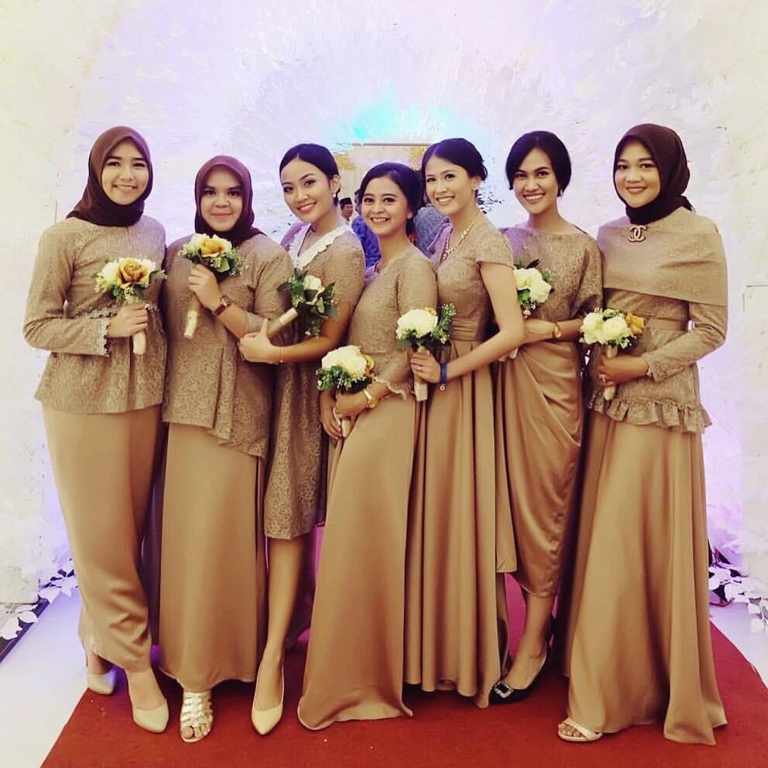 10 Seragam Bridesmaids Terbaik yang Bisa Ditiru, Elegan Banget!
