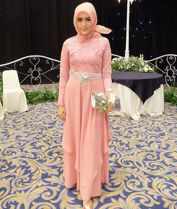10 Desain Cantik Gaun Muslimah Untuk Ke Acara Pesta