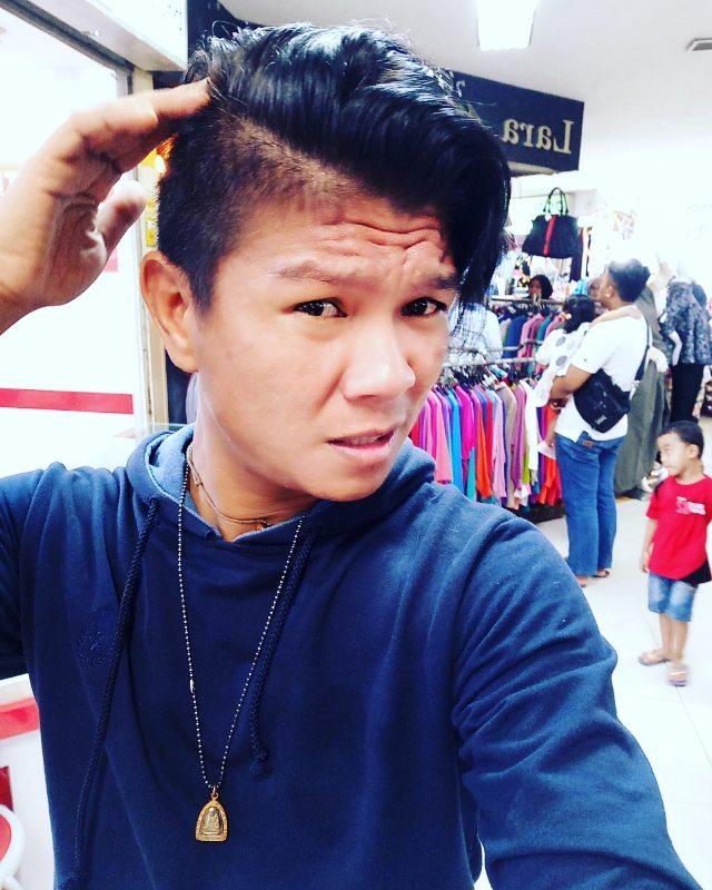 10 Pose Selfie Andika Kangen Band yang Bikin Heboh Netizen