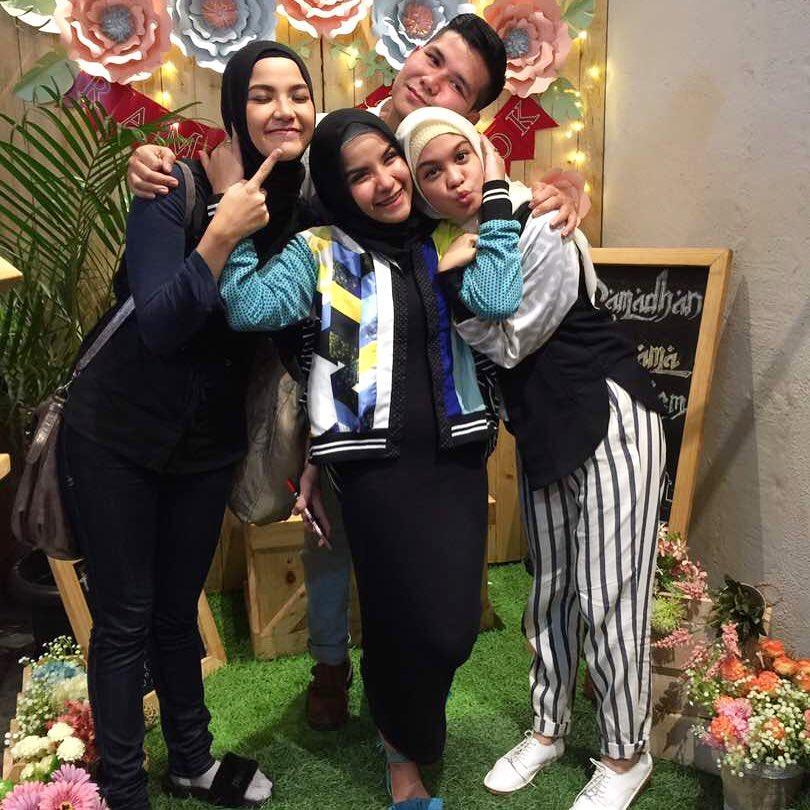 10 Potret Akurnya Keluarga Zaskia Adya Mecca, Sampai Bisnis Bareng!