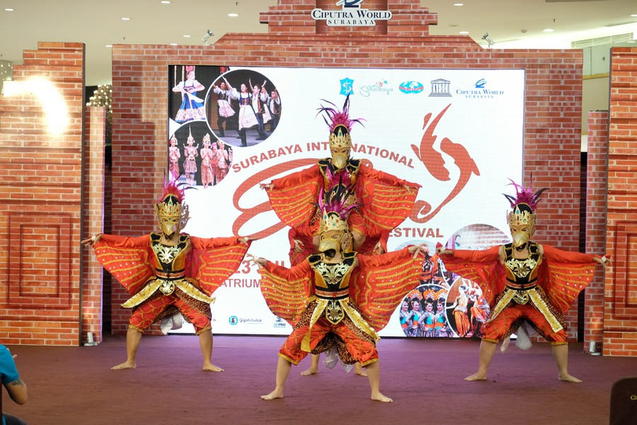 Potret Kemeriahan Surabaya International Etnic dan Culture Festival