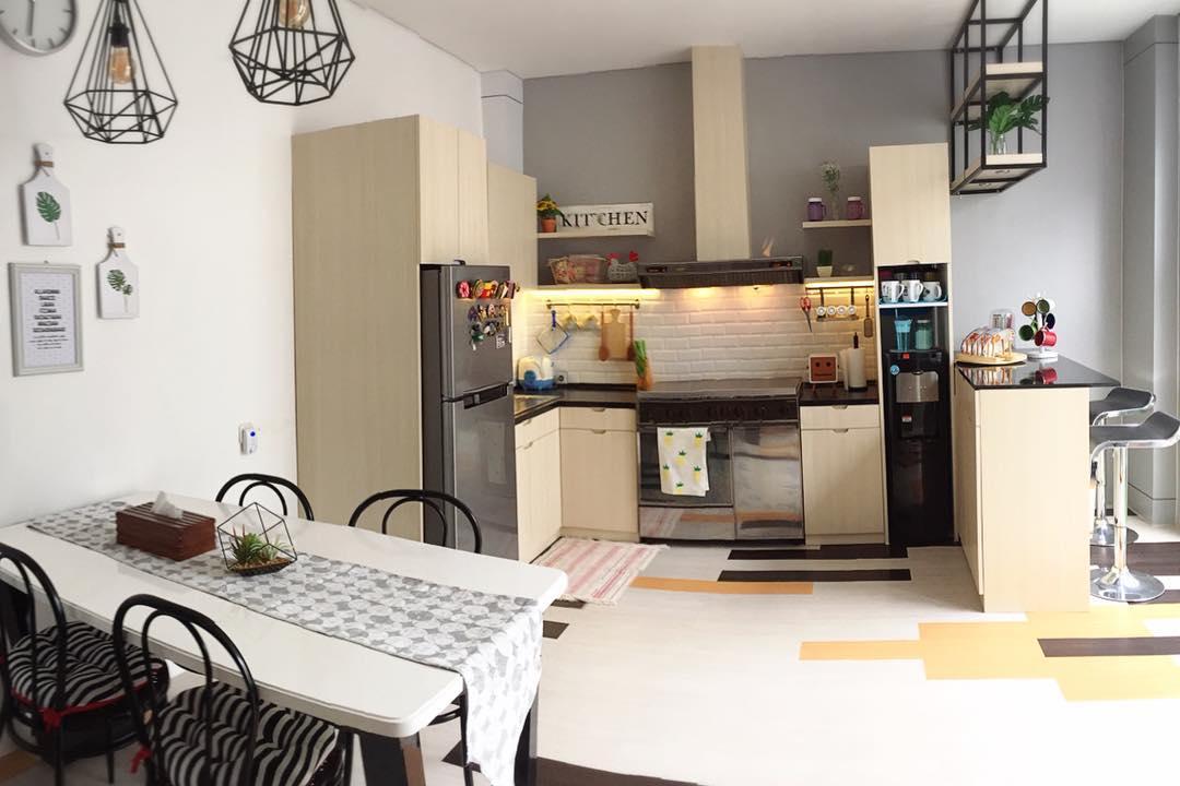 Dapur Yang Simpel Dan Tanpa Banyak Dekorasi Justru Jadi Idaman Kamu Bisa Memberikan Aksen Bata Ekspos Pada Bagian Kitchen Outlet