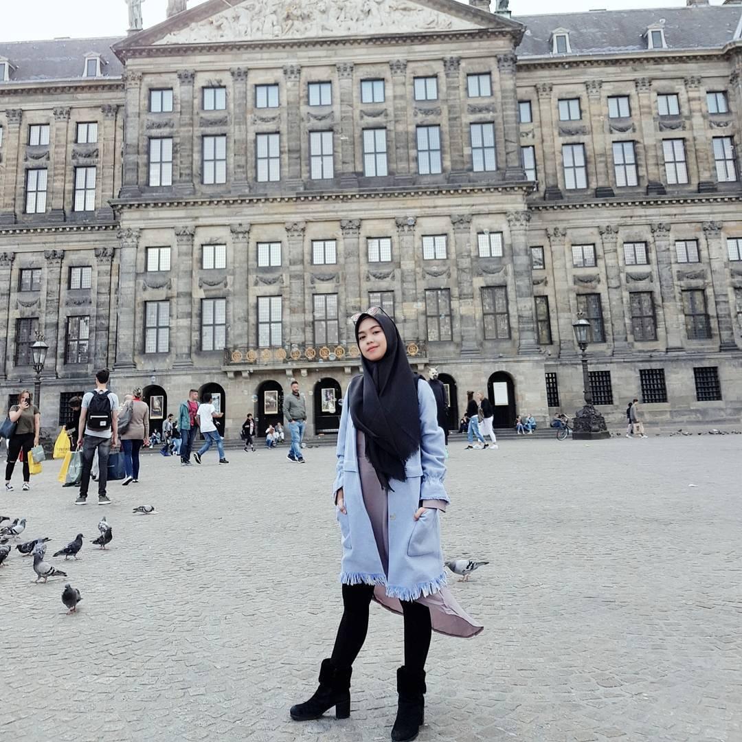 10 Style Hijab ala Ria Ricis, Simpel dan Mudah Ditiru