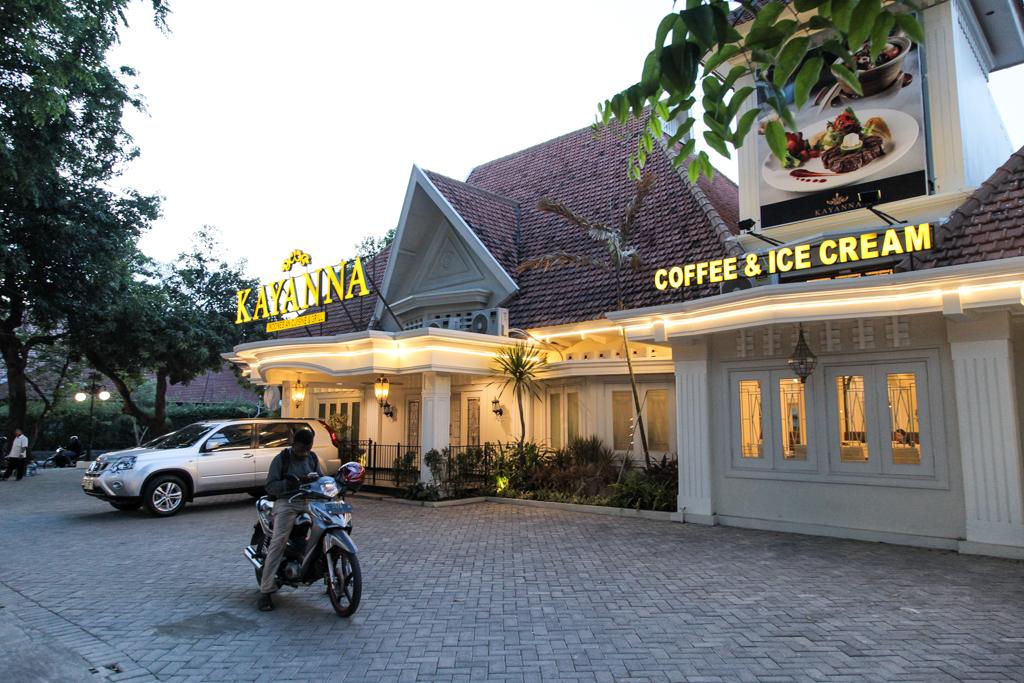 Kayanna, Restoran Unik di Surabaya Ala Kolonial Belanda dan Jawa Kuno