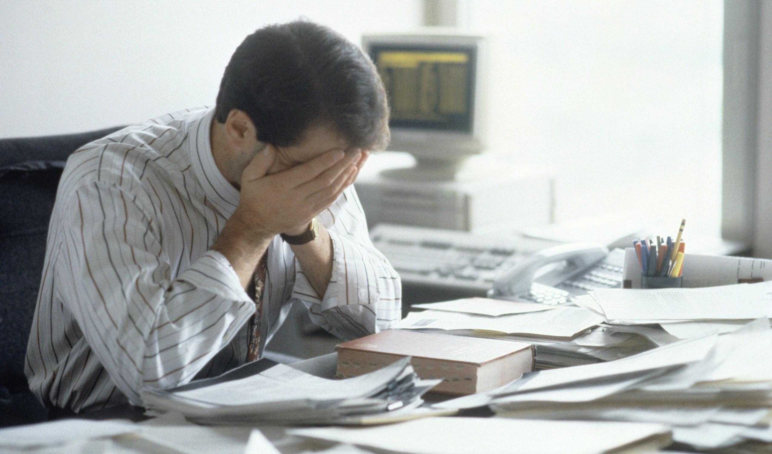 6 Tanda Nyata Kalau Kamu Sudah Terlalu Stress dengan Pekerjaanmu