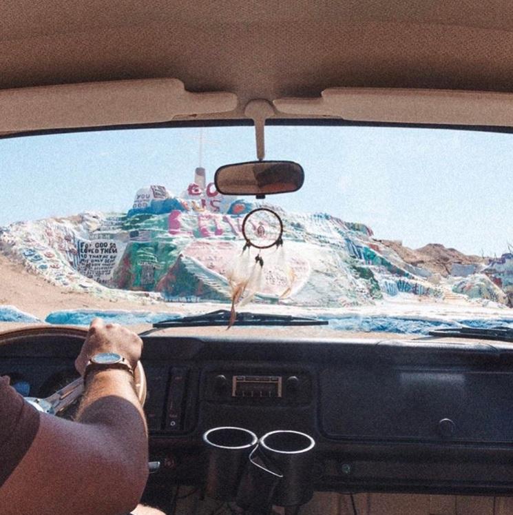 8 Alasan Kamu Harus Cobain Nomadic Traveling bareng Pasangan