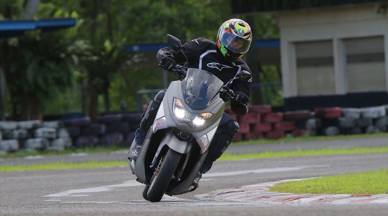 Head to Head Yamaha NMAX dengan Honda ADV 150, Galau Pilih Mana?